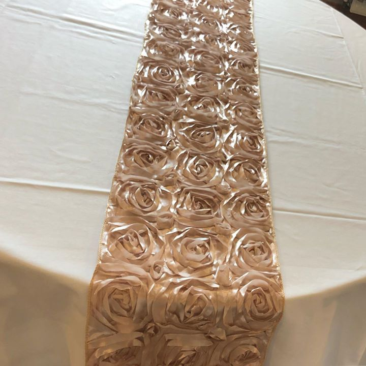 New in champagne Rosetta table runners. These are just too gorgeous to resist x #weddingdecor  #weddingdecoration #weddinginspiration #gettingmarried #weddingday