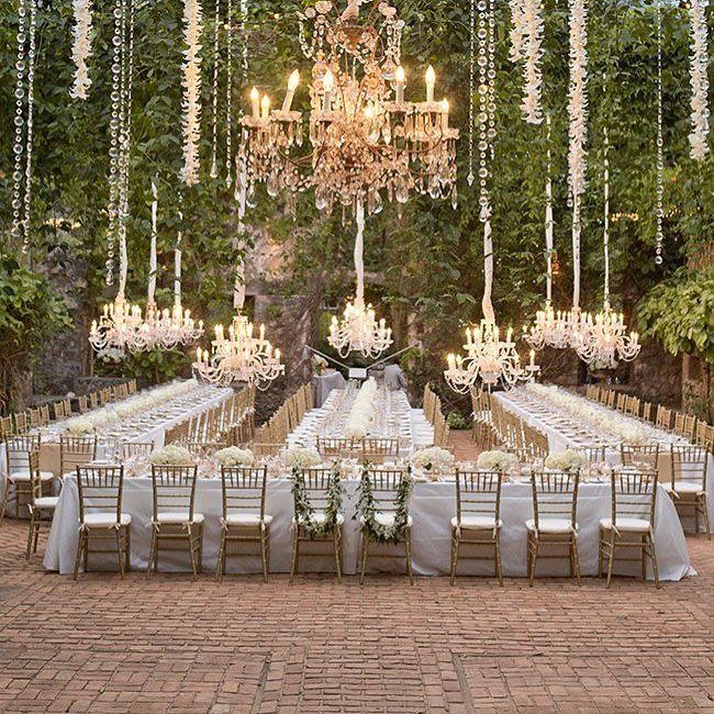 Wow now that's dining in elegant nature x #weddinginspirations  #weddingday