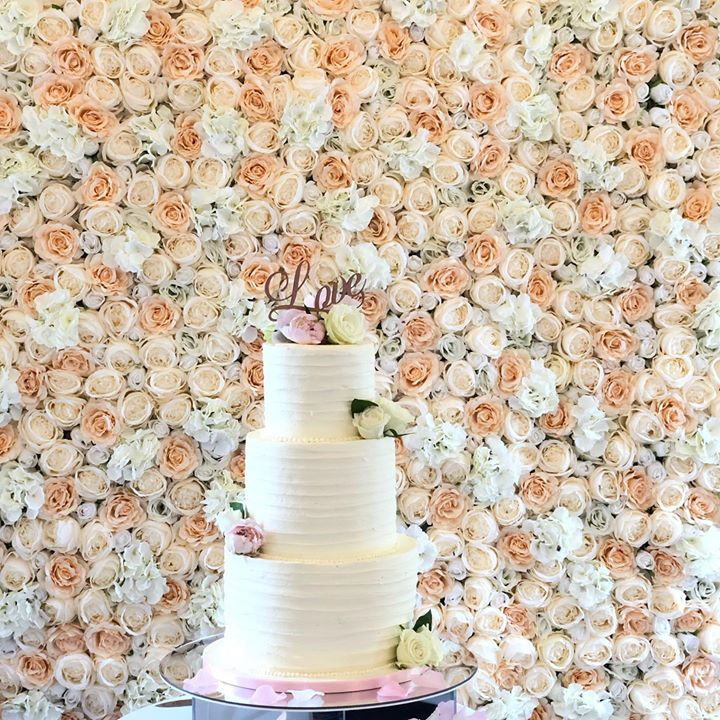 Our stunning new flowerwall makes the perfect backdrop for your cutting of the cake photos. It can also be built in with draping for behind the top table. To check for availability please send us a pm...